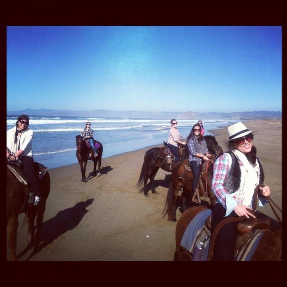 girls trip horses